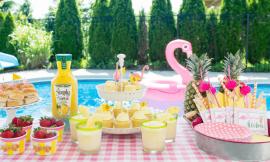 Festa in piscina: come divertirsi e vivere l'estate con stile