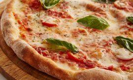 Ricetta pizza: come realizzare un impasto da leccarsi i baffi