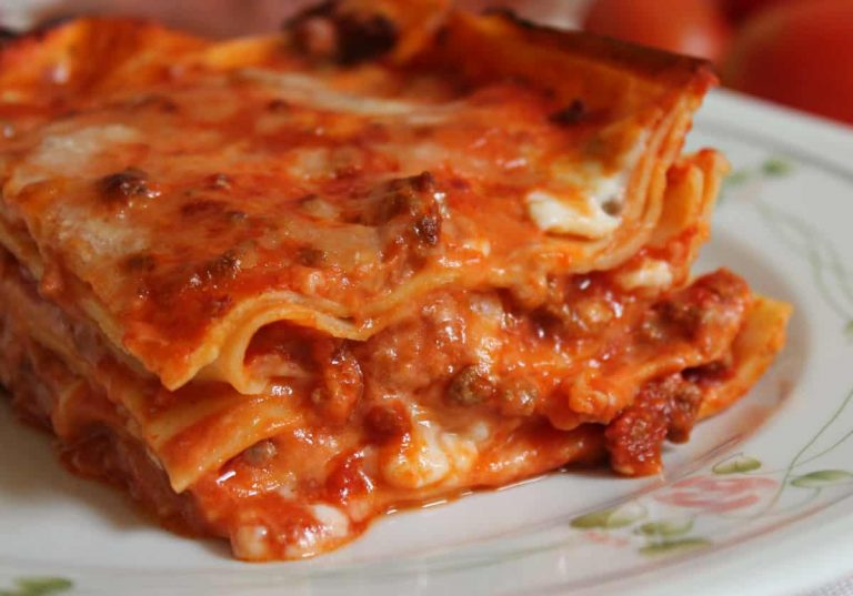 Ricetta lasagna: rossa, bianca o con verdure per ogni gusto