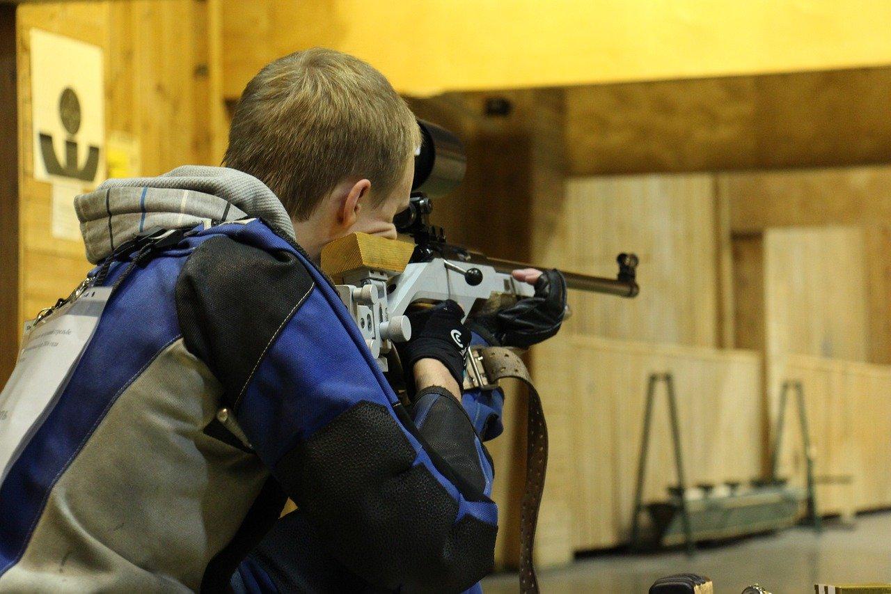 You are currently viewing Cos'è il tiro a segno con carabine ad aria compressa: regole e benefici